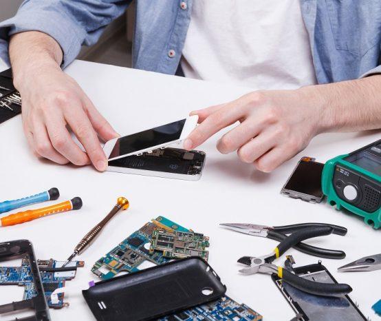 Ce qu'il faut savoir avant de devenir réparateur de téléphone
