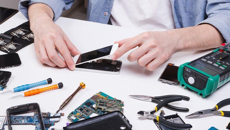 devenir réparateur de téléphone